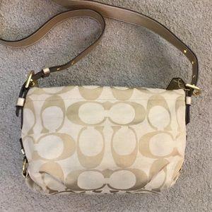 💕 Coach creme gold crossbody cute bag 💕